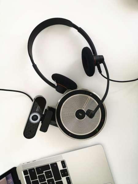 Homeoffice-Einsteiger-Bundle: Headset, Speakerphone, Webcam